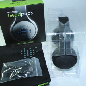 d6dcBoomPods-Wireless-Headpods-2
