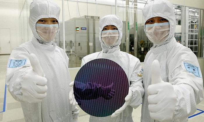 عقد قرارداد بین کمپانیهای سامسونگ و اینتل برای تولید پردازندههای کامپیوتری