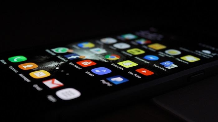 آیا ویروسها در گوشیهای موبایل واقعیت دارند؟ نشانههای یک تلفن همراه آلود به بدافزار چیست؟