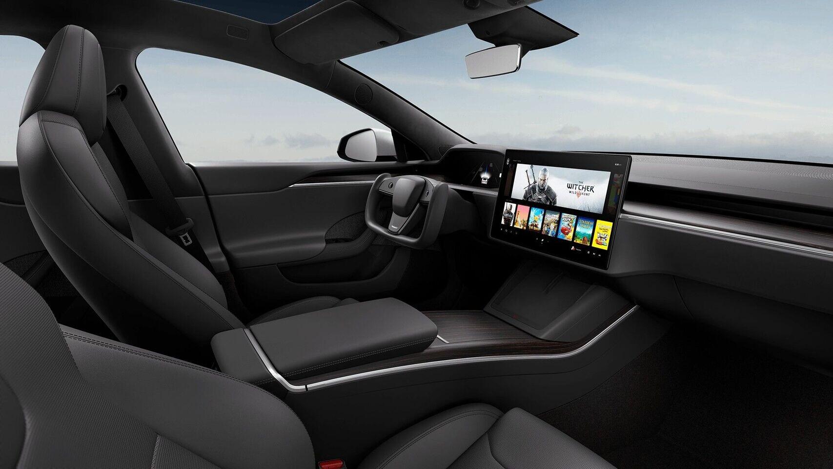 رونمایی از نسخه بهروز شده اتومبیل Tesla Model S | شتاب صفر تا صد در کمتر از 2 ثانیه با قیمت 80 هزار دلار!